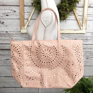 🆕 NEW Bath Body Works Pink Gold Zipper Tote